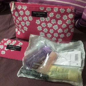 Clinique Make Up Bag with Freebies